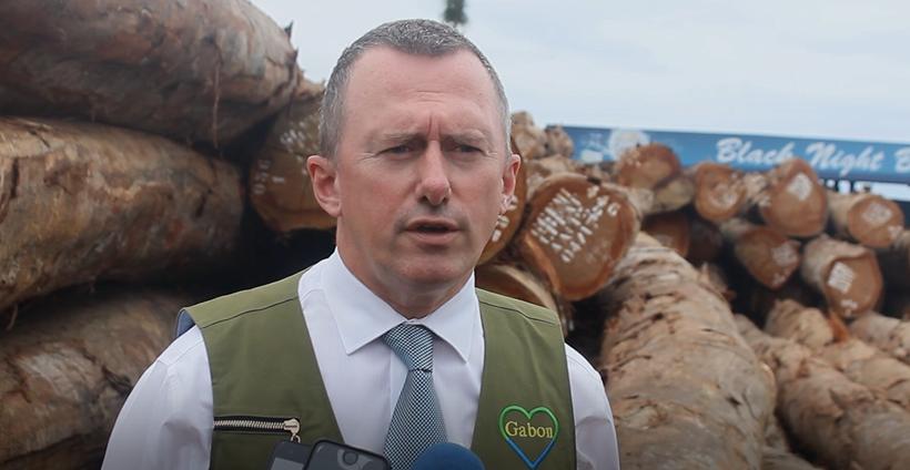Le Ministre de la Forêt inspecte les containers de Kevazingo saisis et scellés au port d'Owendo