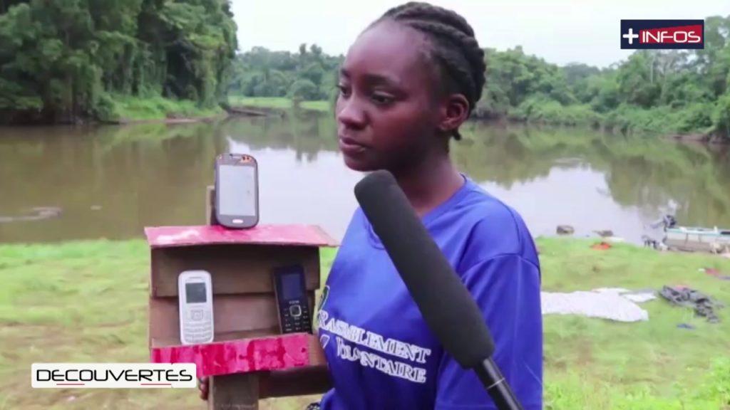 Au village Nvac Zamane il faut un peu d'ingéniosité pour capter le réseau téléphonique