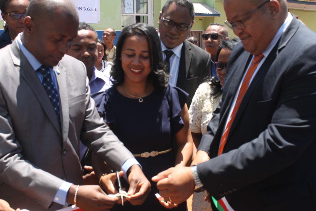 La Fondation BGFIBank réhabilite et équipe une école primaire et un collège à Antananarive