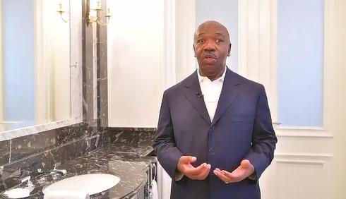 "Covid-19: Ali Bongo Ondimba relève le ""défi mains propres"""